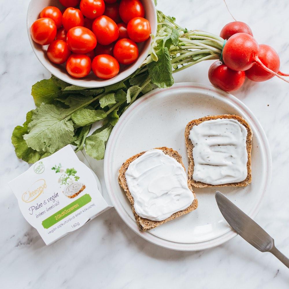 zoldfuszeres vegan sajtkrem - ALL IN natural food