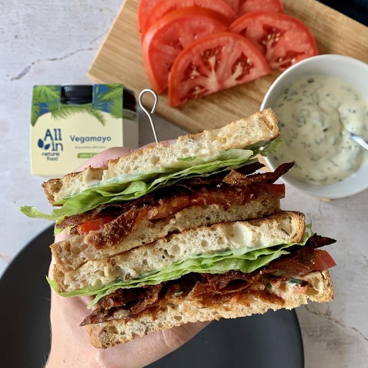 ALL IN natural food - vegán blt szendvics